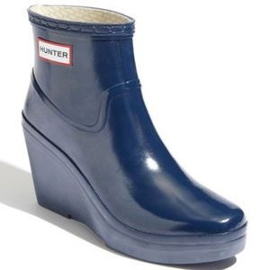 Hunter Aston Dark Blue Wedge Rain Booties Size 10